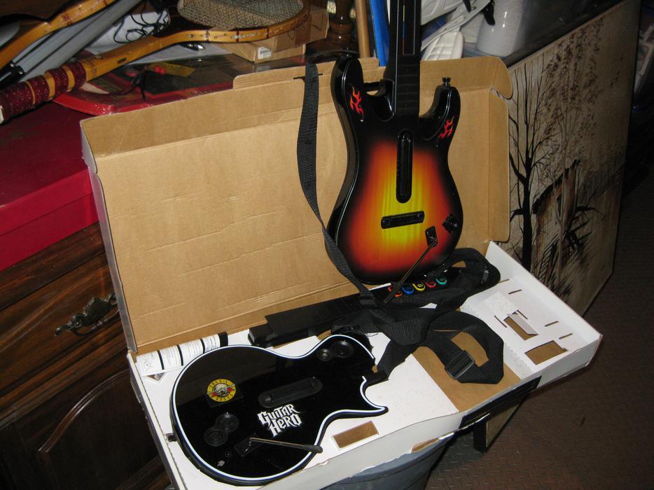 Huge strorage locker items garage sale items sept 19 for Garage ad orleans