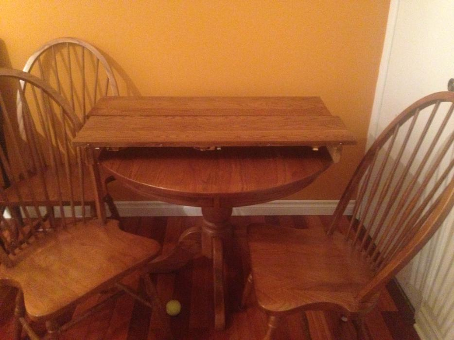 Oak dining room table esquimalt view royal victoria for Dining room tables kelowna