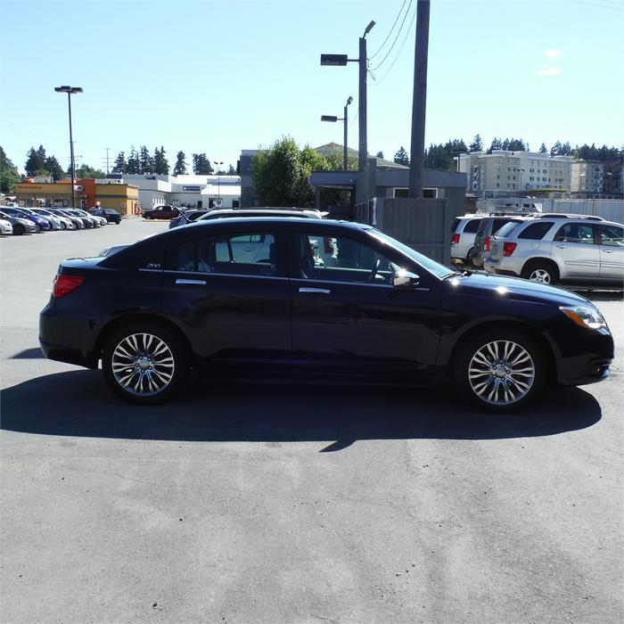 2014 Chrysler 200 Limited-Leather, Bluetooth, Pwr Moonroof