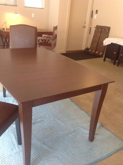 Dining room table dine art furniture parksville for Dining room tables kelowna