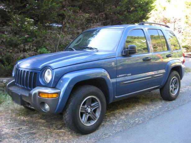 2004 jeep liberty columbia edition 4x4 outside cowichan valley cowichan. Black Bedroom Furniture Sets. Home Design Ideas