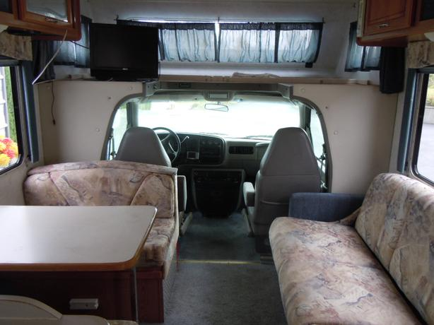 1998 Chevy Motor Home Thor Four Winds 5000 Outside Nanaimo
