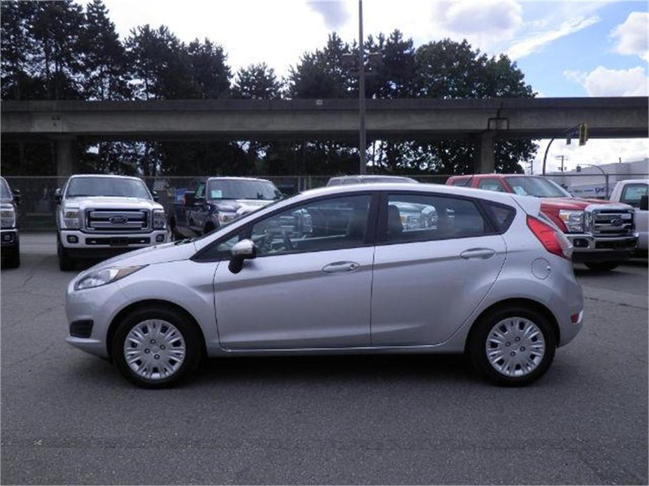 2014 Ford Fiesta Se Hatchback Sync Ambient Lighting Surrey