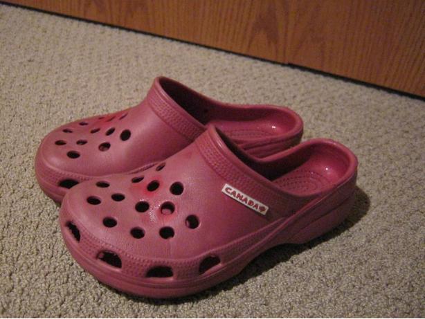 croc like Canada sandals