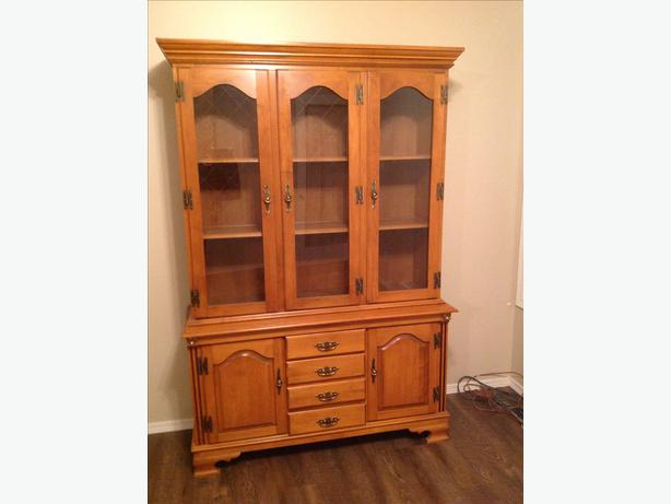 Roxton Solid Maple China Cabinet North Regina Regina MOBILE