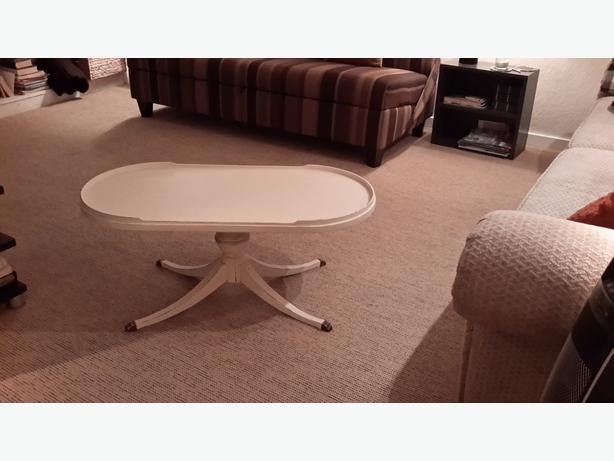 Coffee table oak bay victoria for Coffee tables london ontario