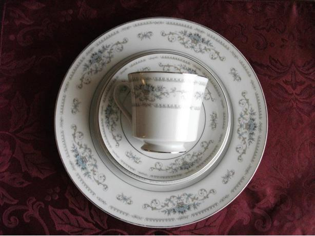 Reduced! Fine Porcelain China (Japan) DIANE