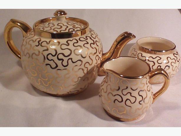 Sudlow's teapot, cream & sugar