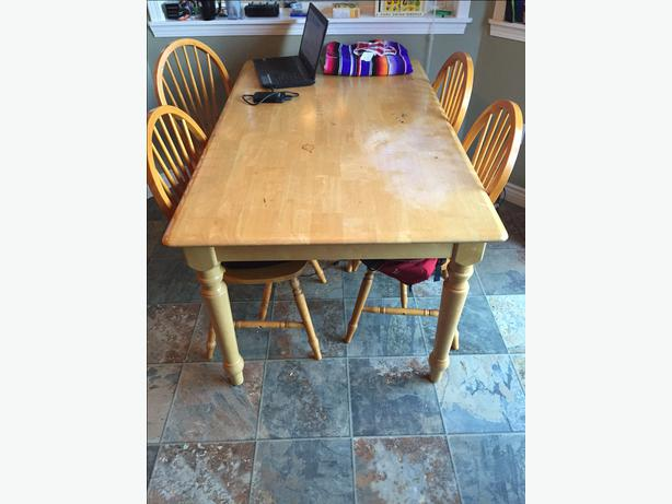 Dining room table and chairs west shore langford colwood for Dining room table 60 x 36