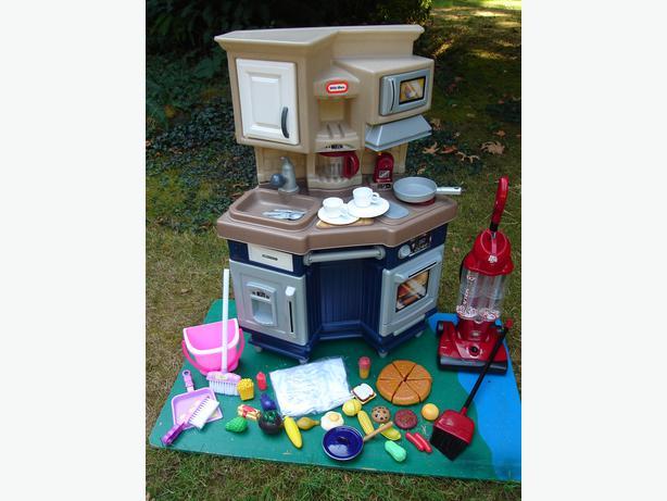 LT Kitchen Set Duncan Cowichan
