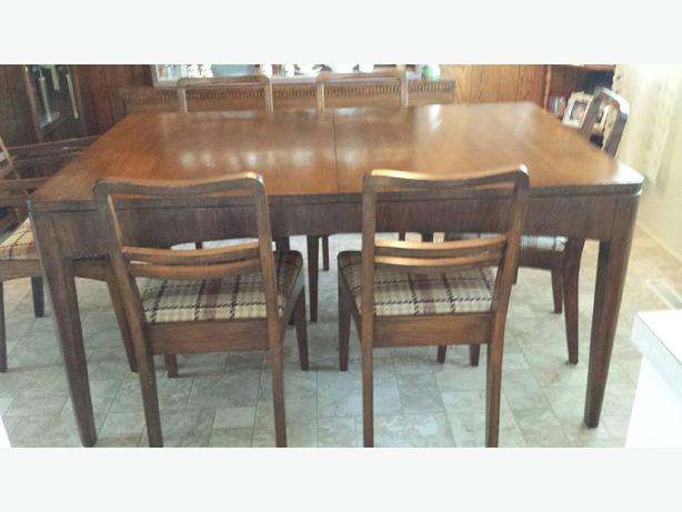 Antique Dining Room Table And Hutch Port Alberni Ucluelet