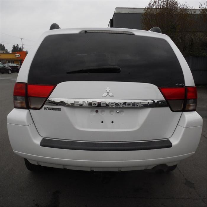 2011 Mitsubishi Endeavor Se Awd Bluetooth Roof Rack West
