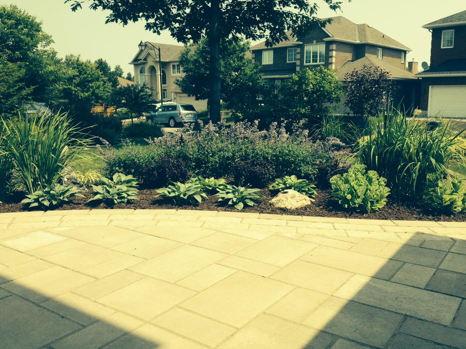 Need garden help at low rates kanata gatineau for Landscaping help