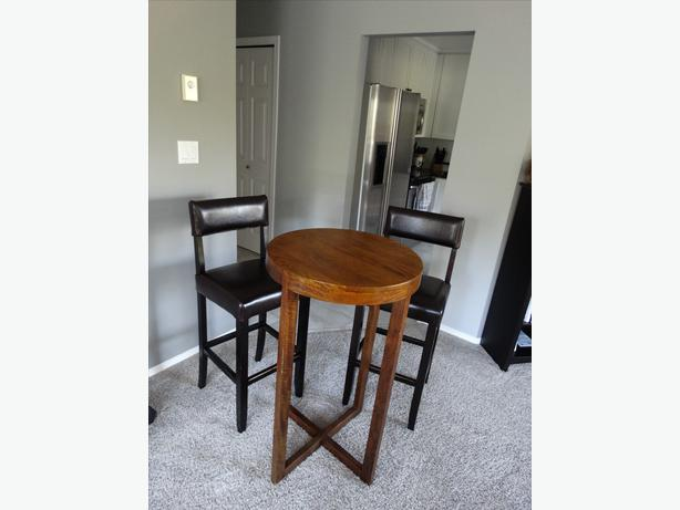High Table And Bar Stools Saanich Victoria