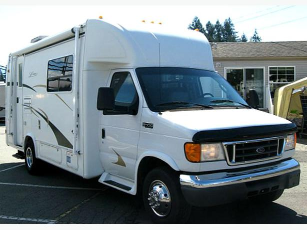 Sold compact easy to drive 2004 lexington b for Used small motor homes