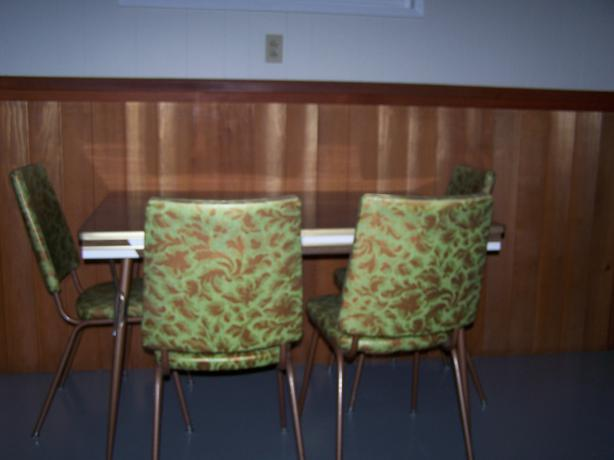 Retro KItchen Table And Chairs West Shore Langford Colwood Metchosin Highlan