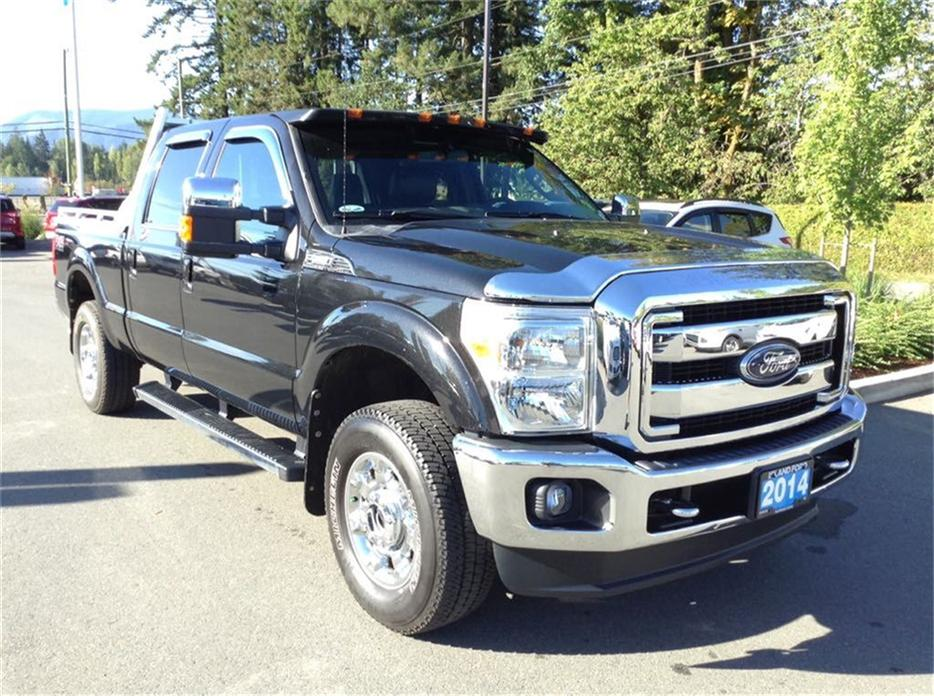 2014 ford f 250 f 250 lariat gas 6 2 litre one owner trade in outside nanaimo parksville. Black Bedroom Furniture Sets. Home Design Ideas