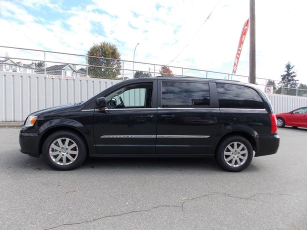 2014 chrysler town country touring stow n go coquitlam incl port coquitlam port moody. Black Bedroom Furniture Sets. Home Design Ideas