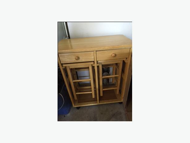 Cute little kitchen table and stools west shore langford for Very small kitchen table