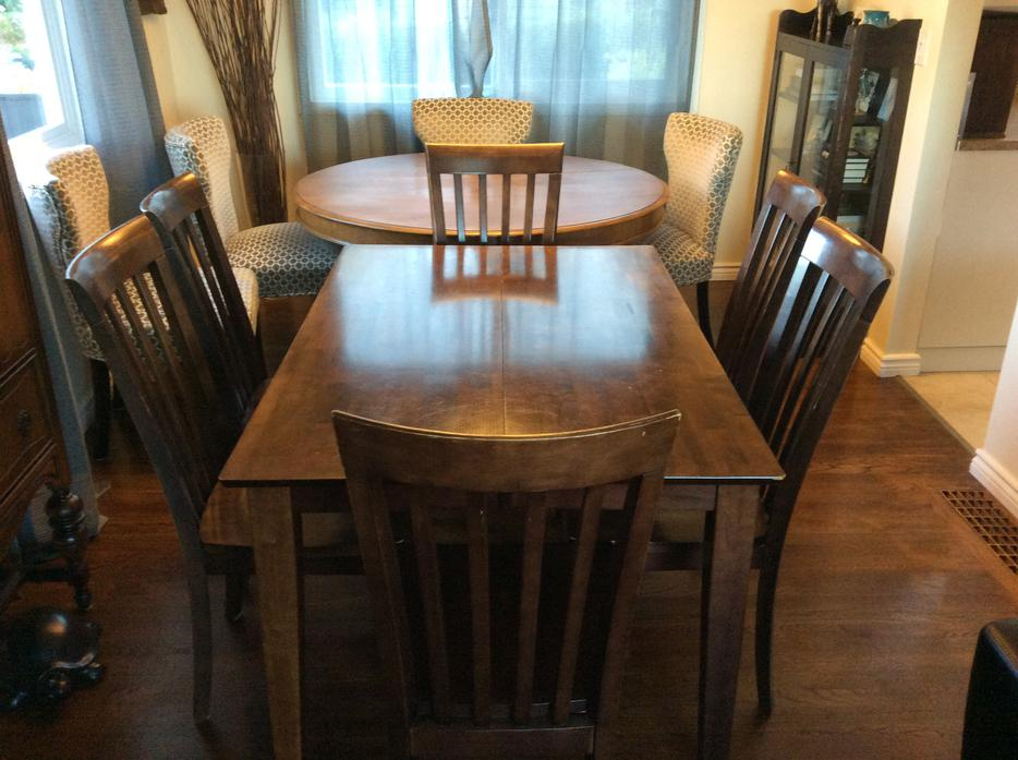 Solid wood dining room table 6 chairs esquimalt view for Dining room tables kelowna