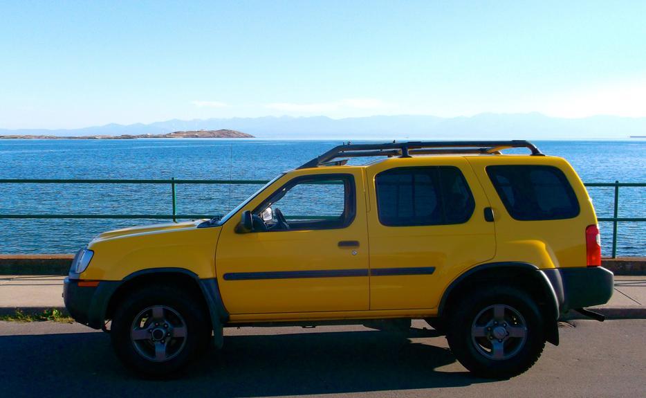 Safari Yellow 2002 Nissan Xterra Oak Bay Victoria
