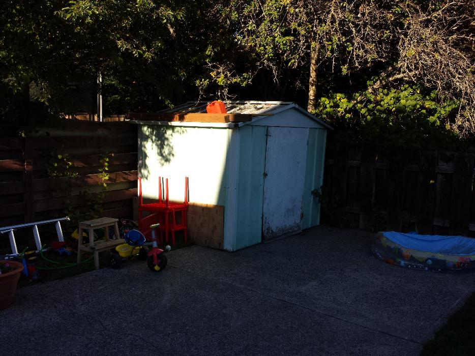 Older metal garden shed for sale saanich victoria mobile for Garden shed victoria bc