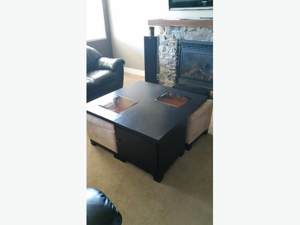 Coffee Table With 2 Ottomans Central Nanaimo Parksville Qualicum Beach