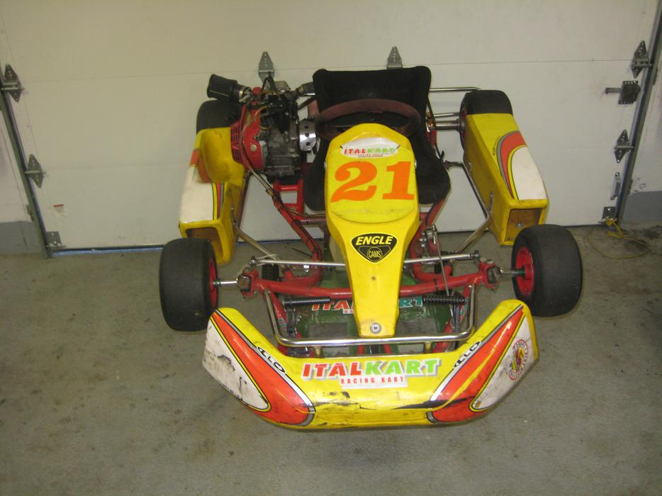 Italkart copetition go kart west shore langford colwood for Go kart montreal exterieur