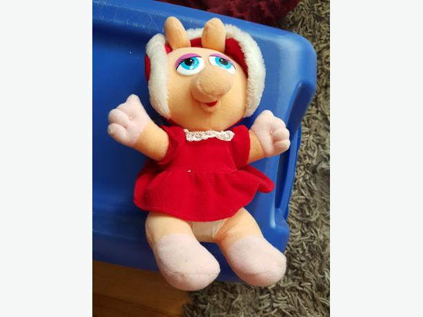 Vintage 1987 Miss Piggy Muppet Christmas outfit