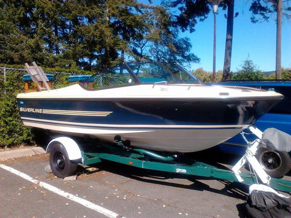Sacrifice Beautiful 18 Foot 1979 Silverline Deep Hall Water Skiing Boat North Nanaimo