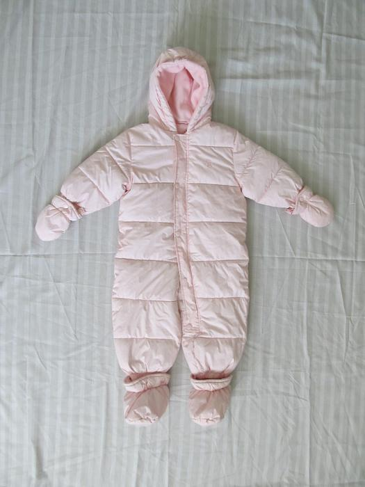 Arctix Baby Girl Size 12/18 Months Snow Bunting 1-Piece Snowsuit Purple/Pink See more like this Patagonia One Piece Snowsuit Floral Brown Reversible Baby Infant 18 Months 70T Pre-Owned.