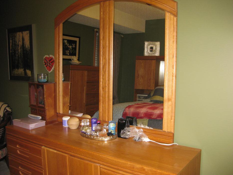 Solid Oak Bedroom Suite West Regina Regina Mobile