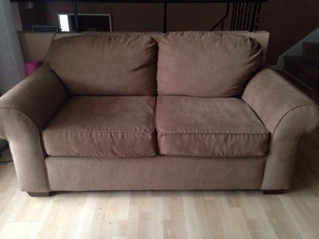 Matching Couch Sofa And Loveseat For Sale Perfect Condition Central Ottawa Inside Greenbelt