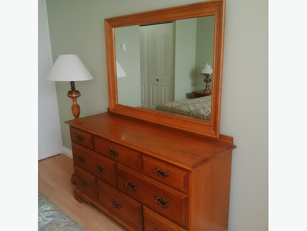 Only 500 For All This Solid Red Maple Bedroom Set With King Size And Bedding Central Ottawa