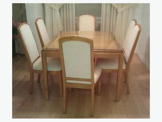 MAPLE  WOOD TABLE   Made in Canada