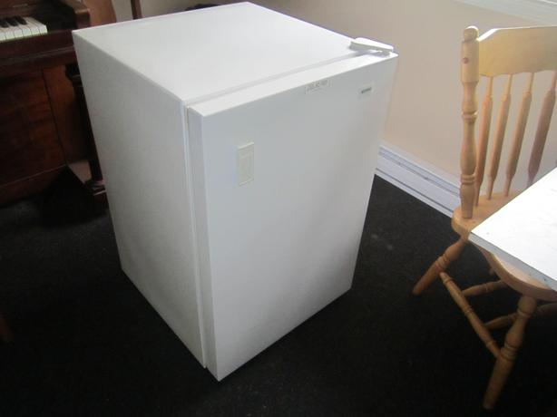 apartment size stand up freezer west shore langford