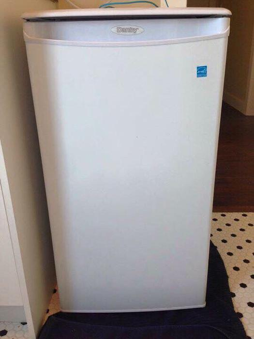 mini fridge for sale saanich victoria mobile. Black Bedroom Furniture Sets. Home Design Ideas