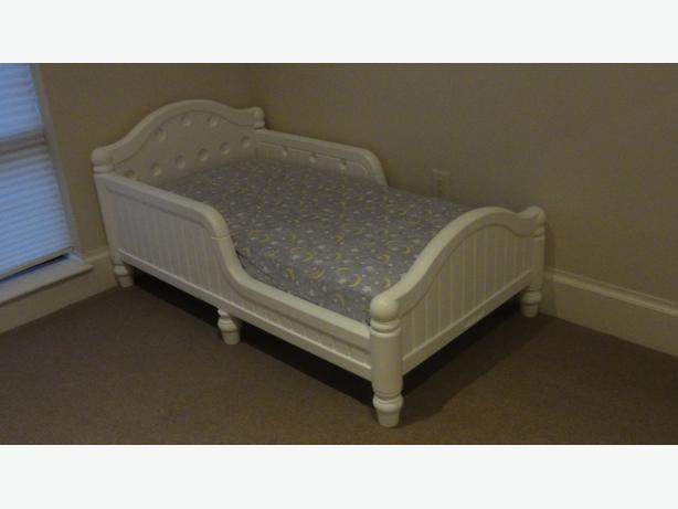 Immaculate Graco Toddler Bed With Excellent Mattress