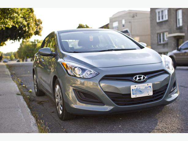 2013 hyundai elantra gl hatchback central ottawa inside. Black Bedroom Furniture Sets. Home Design Ideas
