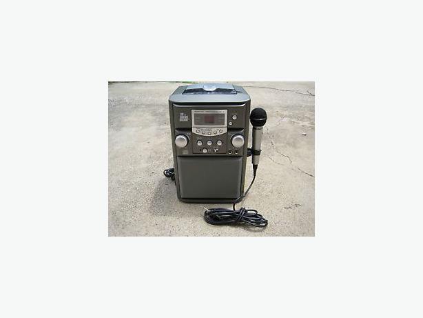 the singing machine smg 138 karaoke system portable used north york toronto. Black Bedroom Furniture Sets. Home Design Ideas
