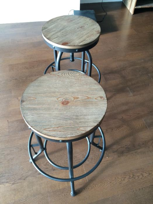 Brand new dining table and hutch 2 free stools victoria for Dining room tables victoria bc