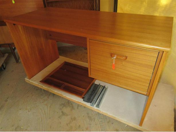 Estate teak office desk south west calgary - Teak office desk ...