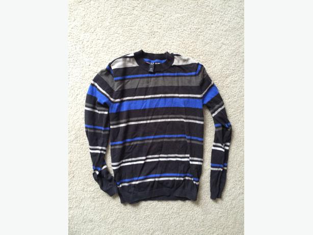 Oakley light sweater