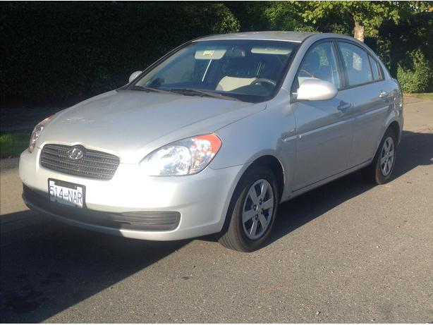 2009 hyundai accent low mileage new price saanich victoria. Black Bedroom Furniture Sets. Home Design Ideas