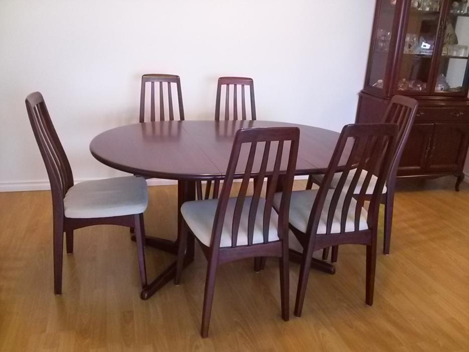 Dining table and chairs set richmond vancouver mobile
