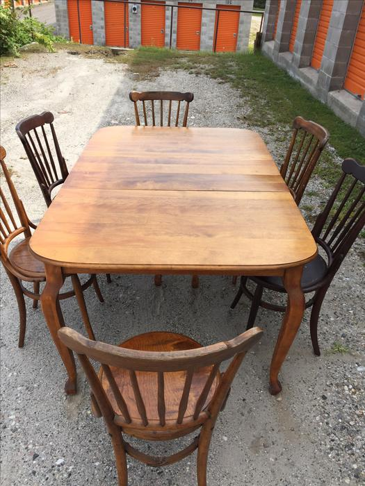 Rustic dining table and chairs outside ottawa gatineau