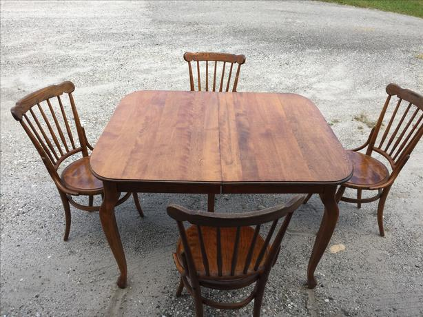 Rustic Dining Table and 6 chairs Outside OttawaGatineau  : 49045467614 from www.usedottawa.com size 614 x 460 jpeg 62kB