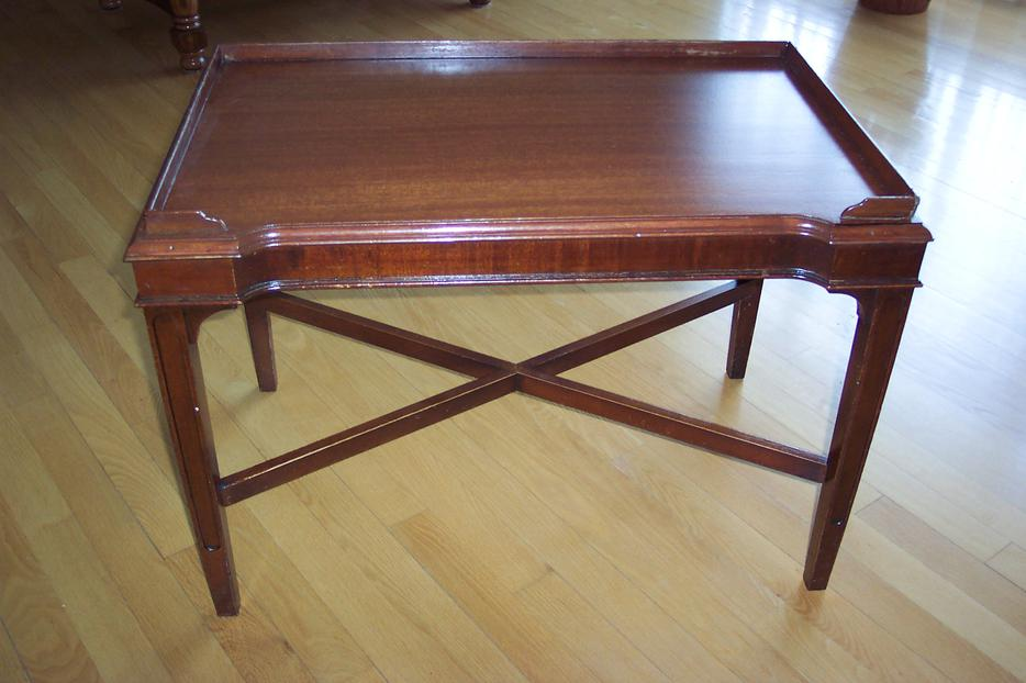 Vintage small wood coffee table orleans gatineau for Coffee tables kelowna