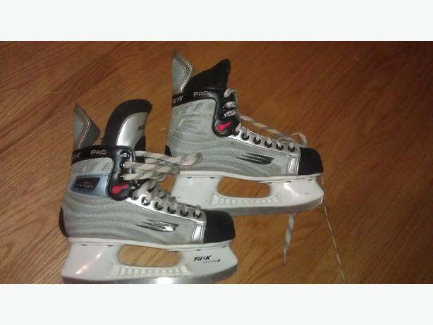 Bauer Vapor Pro Size 4.5 skates