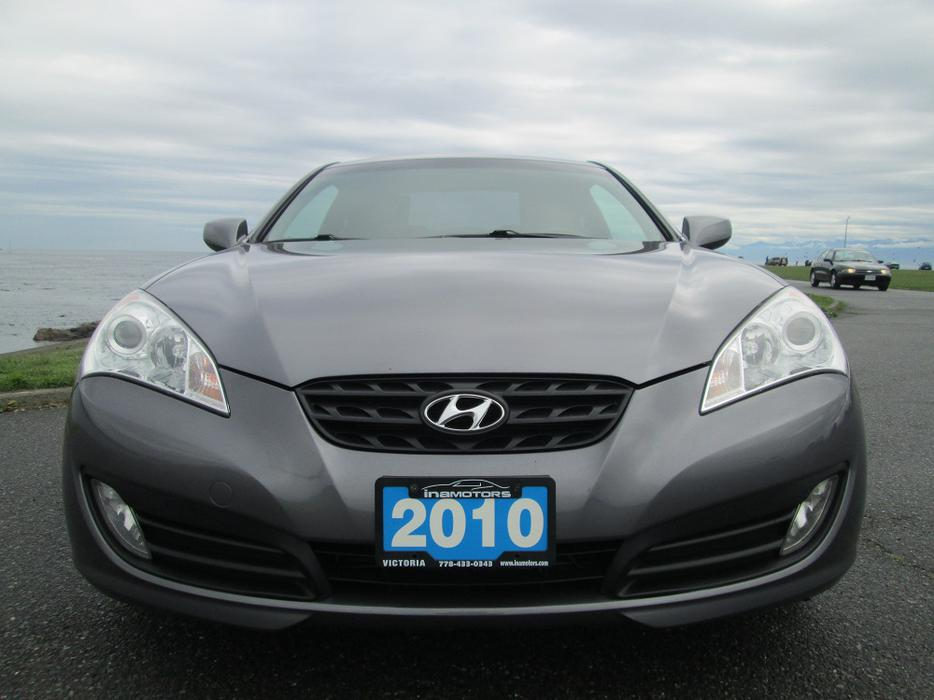 2010 hyundai genesis coupe 2 0t outside nanaimo nanaimo mobile. Black Bedroom Furniture Sets. Home Design Ideas